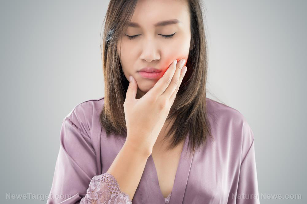 Image: Natural methods for relieving jaw pain caused by rheumatoid arthritis